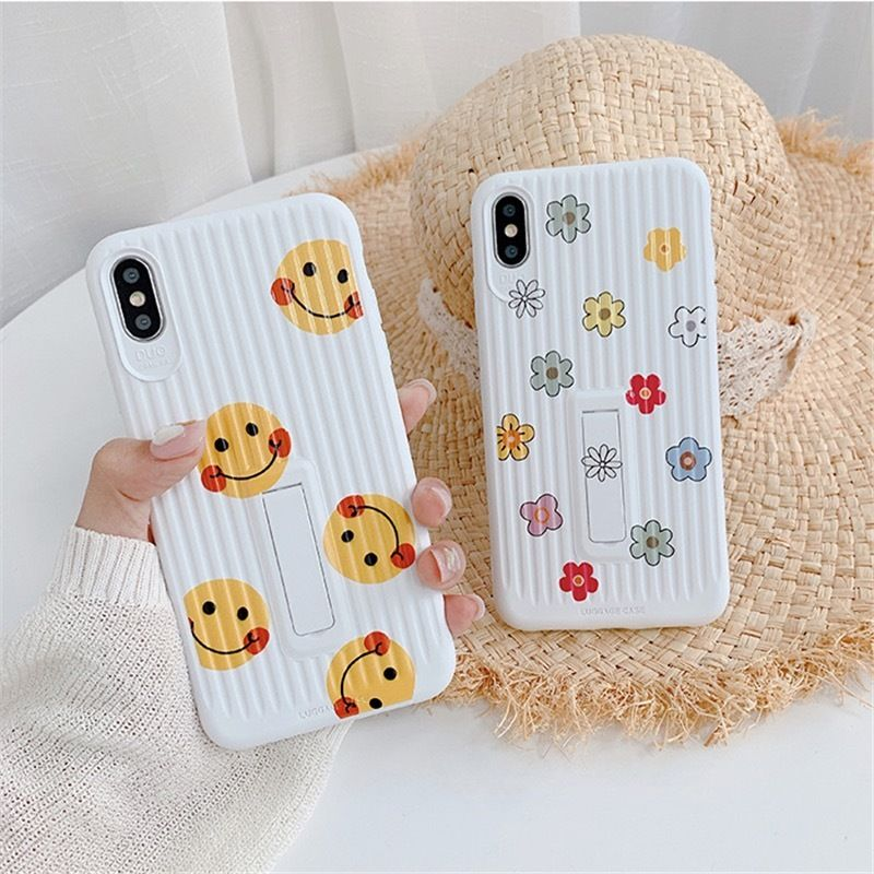 Smile flower luggage  iphone case