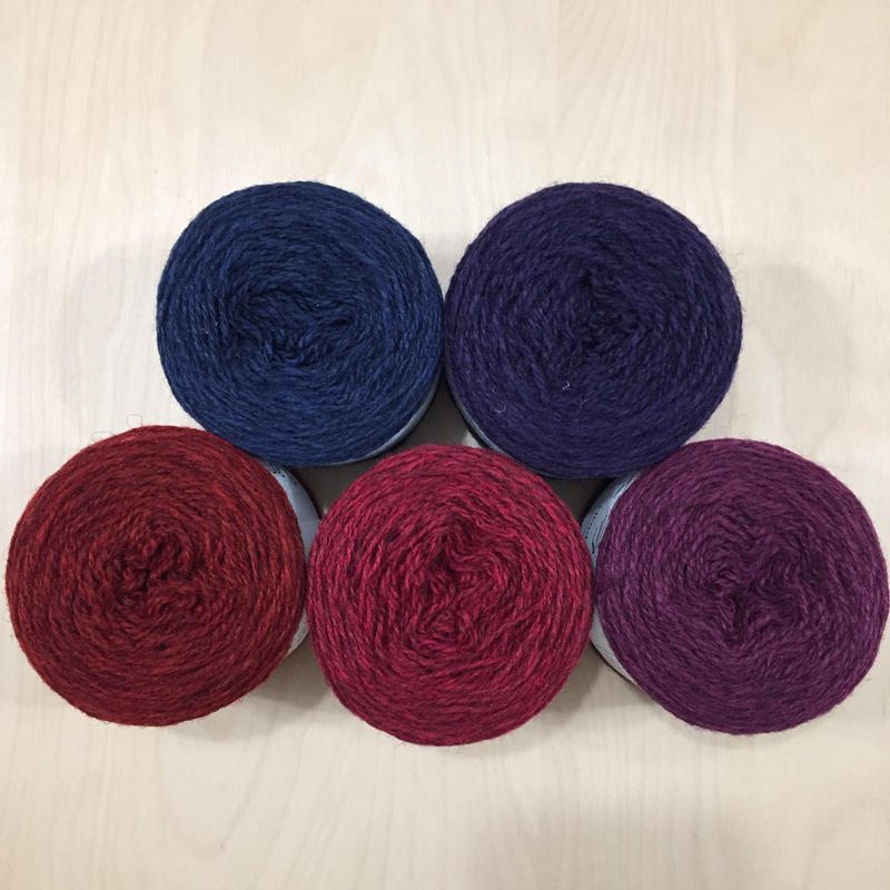 URADALE  Organic Shetland Yarn 赤・青