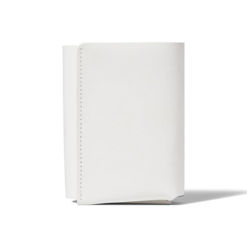 しっかり入ってコンパクトな財布 TRI-FOLD WALLET / WHITE