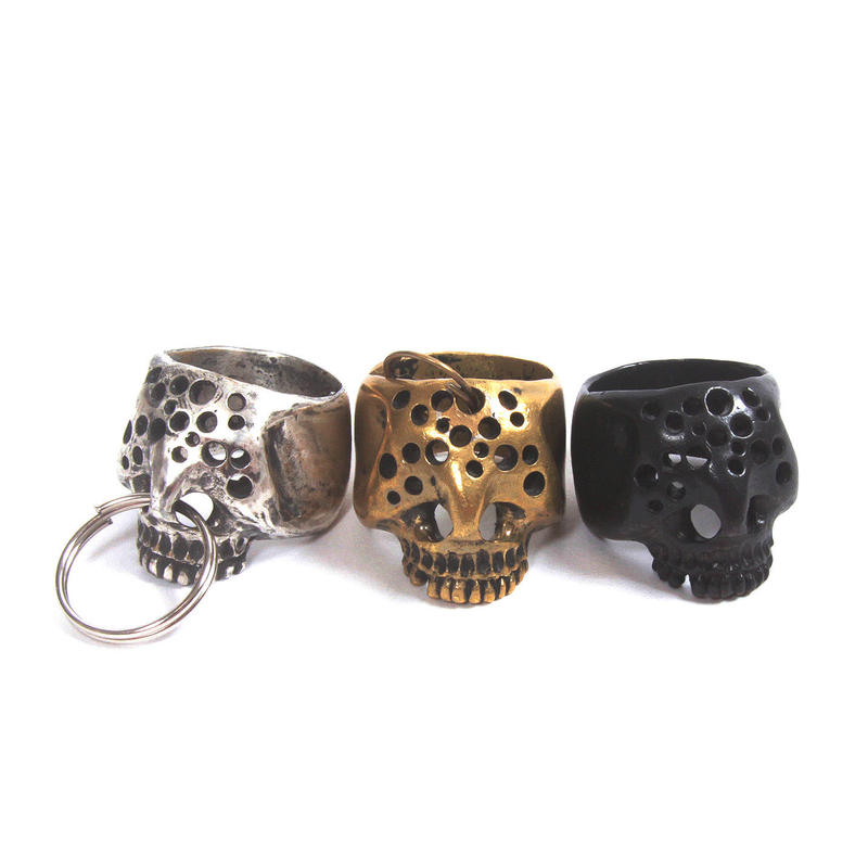 hole skull ring black