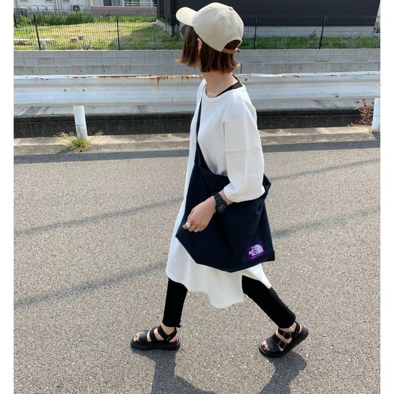 【6月下旬入荷】オーバーサイズ プルオーバー white/black