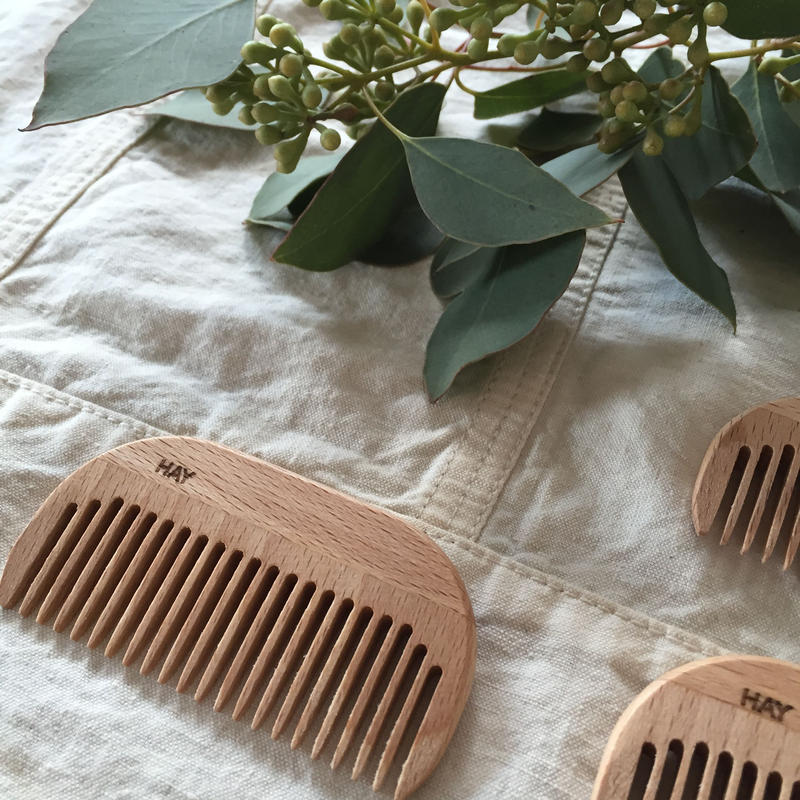 HAY SMALL COMB