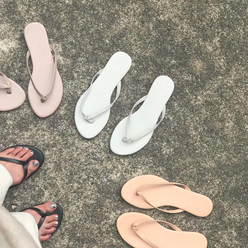 simple beachsandal