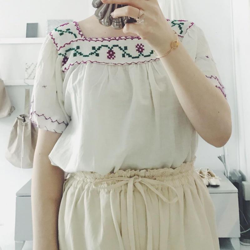 used 刺繍blouse