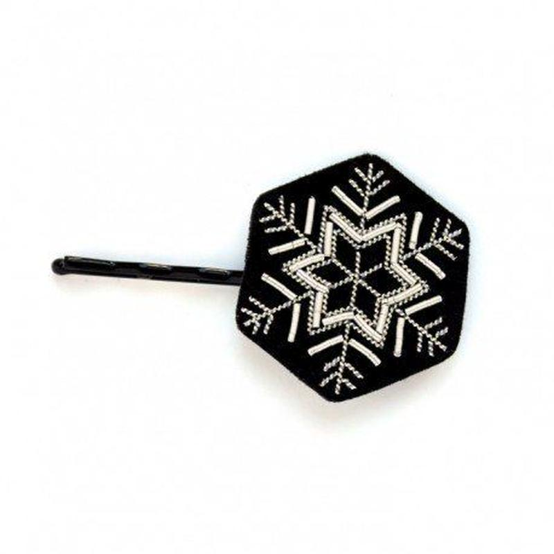 "MACON & LESQUOY  マコン・エ・レスコア HAND-EMBROIDERED ""SNALL HEXAGONAL FLAKE"" HAIRPIN ヘアーピン"