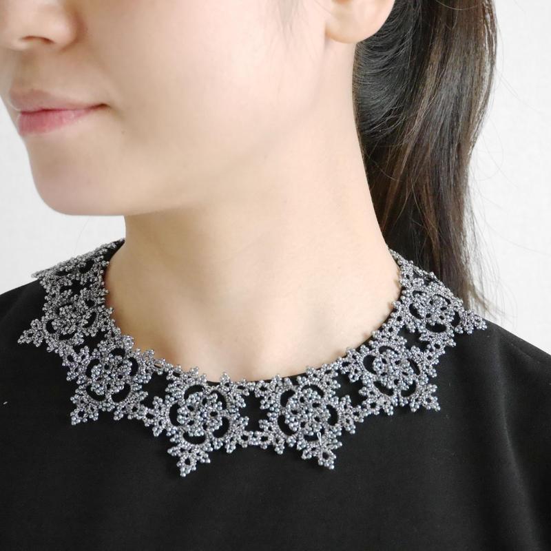 star flower necklace / darkgray