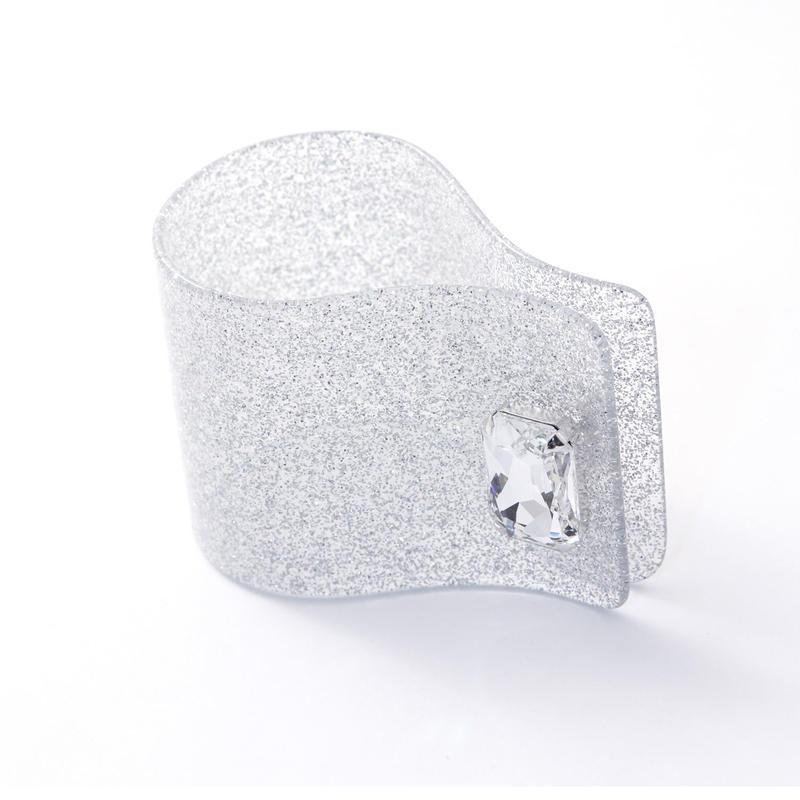 PCF-B01-SVL Plastic Bunny CuffB01