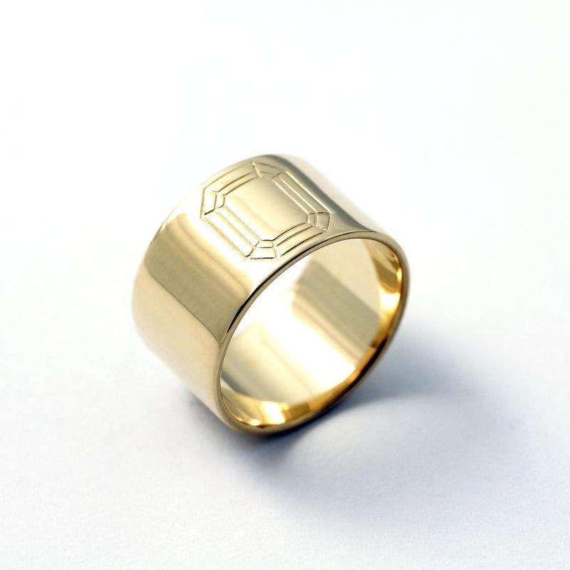CAV-R05-SV(YG) Carve Emerald Ring R05