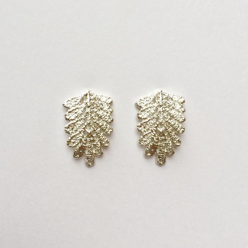 lace leaf pierces (silver)---214