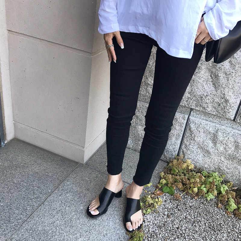black stretch skinny pants