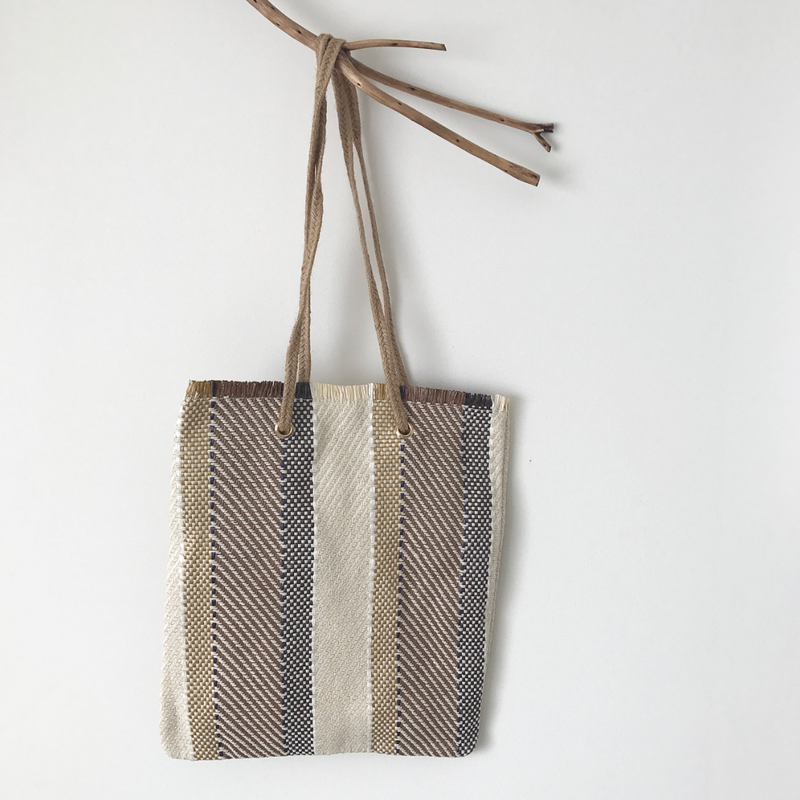 mulch straw shoulder bag