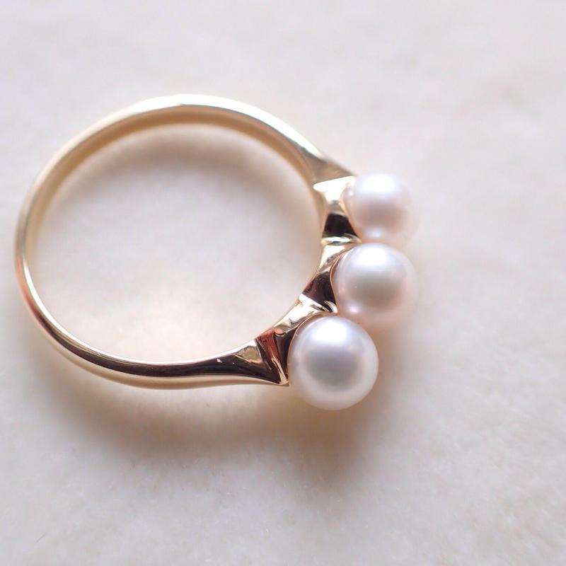 K18 Three Pearl Ring