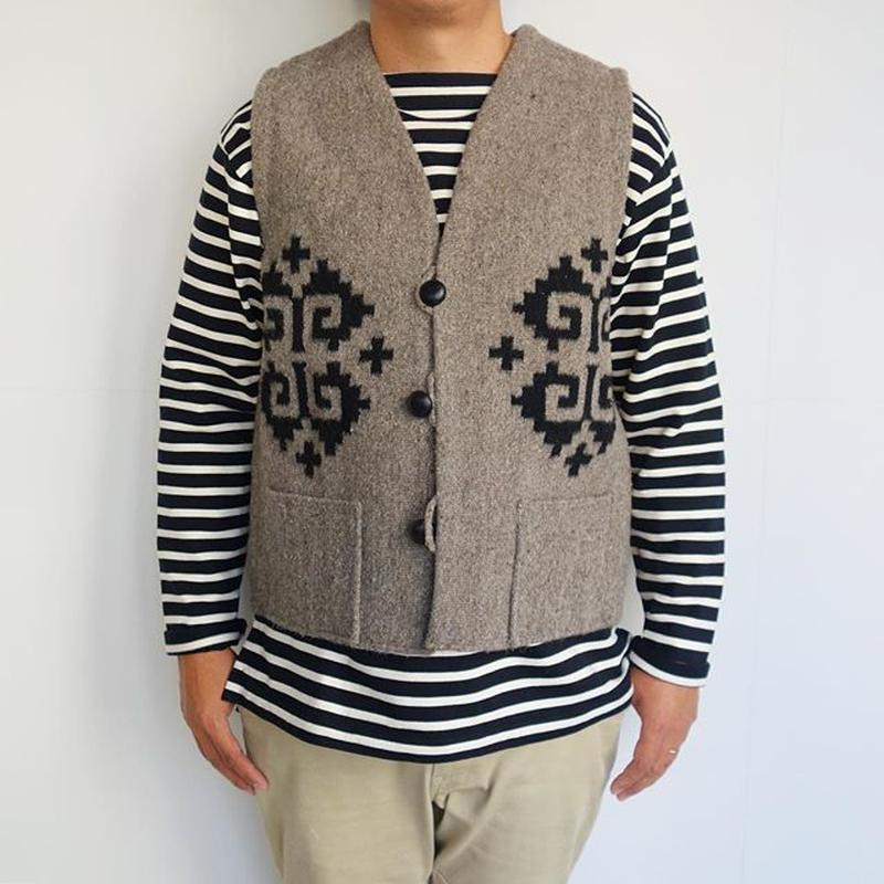 Isaac Vasquez Rug Vest (星紋 エストレイア)