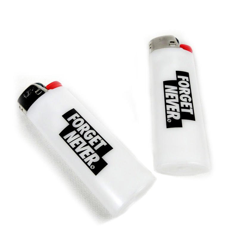 BOX LOGO BIC CIGARETTE LIGHTER 【 WHITE 】