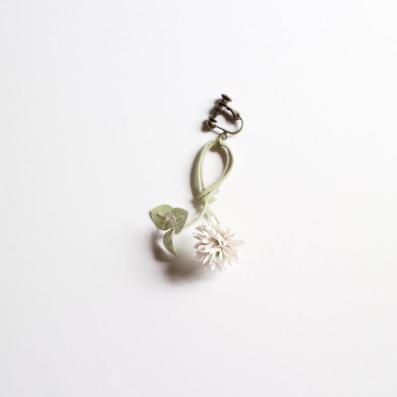 kico シロツメクサのイヤリング(片耳)
