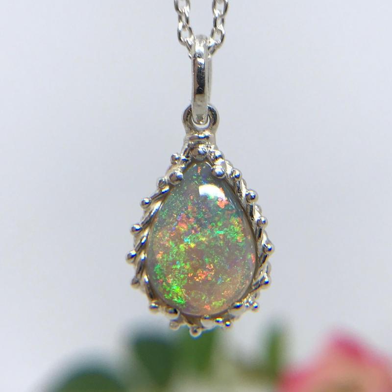 天然クリスタルオパール純銀ロングネックレス2.29ct☆ オーストラリア・ライトニングリッジ産の原石から磨いた1点もの