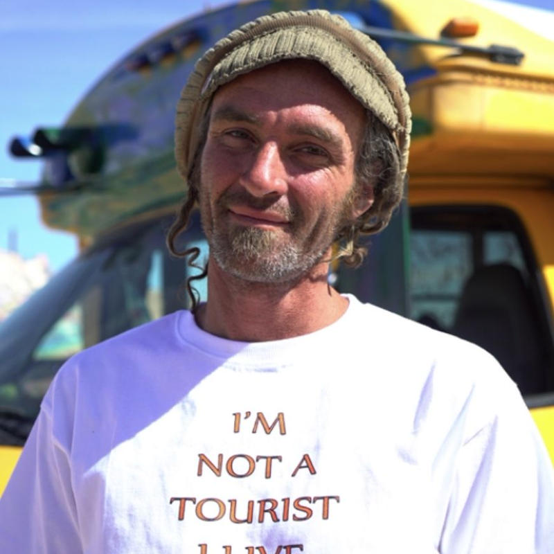 【easy busy】Tourist T-Shirts – White