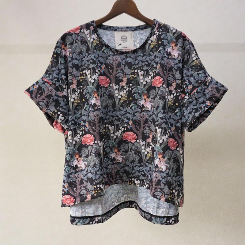 bedsidedrama ワンダーランドTシャツ(バンビ)