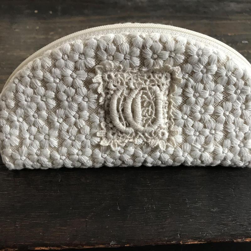 小花刺繍のグラスケース