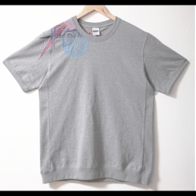 【手刺繍】「Chronicle」_20180428_7.1オンス へヴィーウェイト無地Tシャツ(サイドパネル)を使用