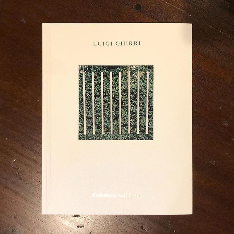 Luigi Ghirri『COLAZIONE SULL'ERBA 』