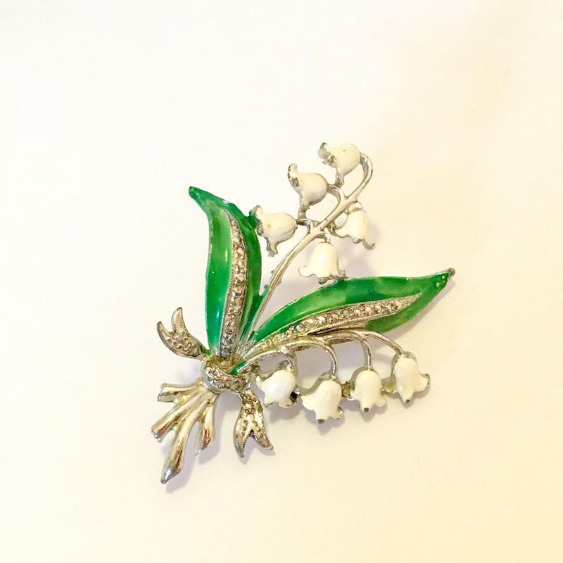 Exquisite社製 スズランの花のブローチ(BR0619)