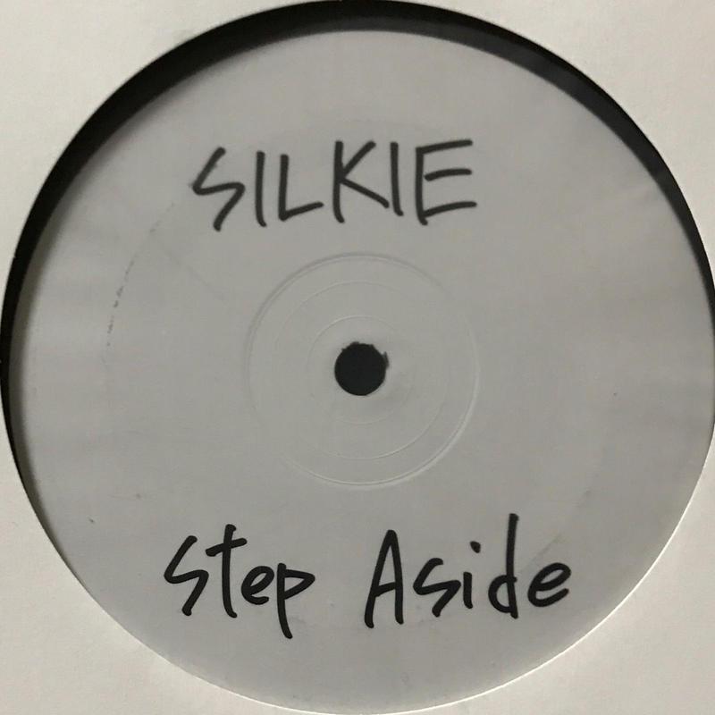 Silkie - Illegal Immigrant / Step Aside [12][Antisocial Entertainment] ⇨サックス、ピアノ、ベースを絡めたオーガニックベース。