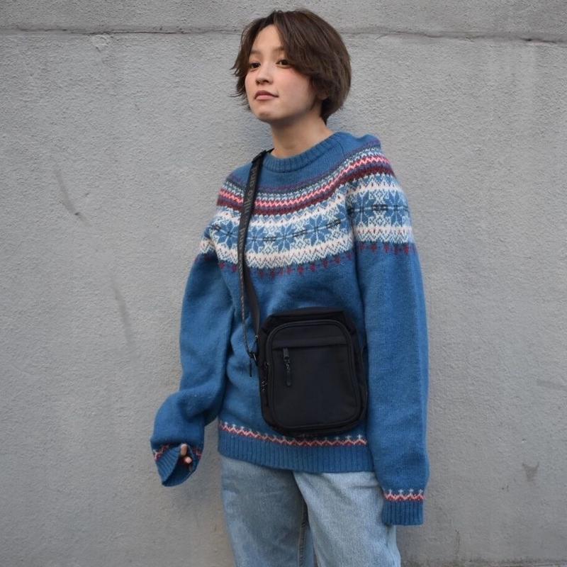 Digdeep blue pattern knit
