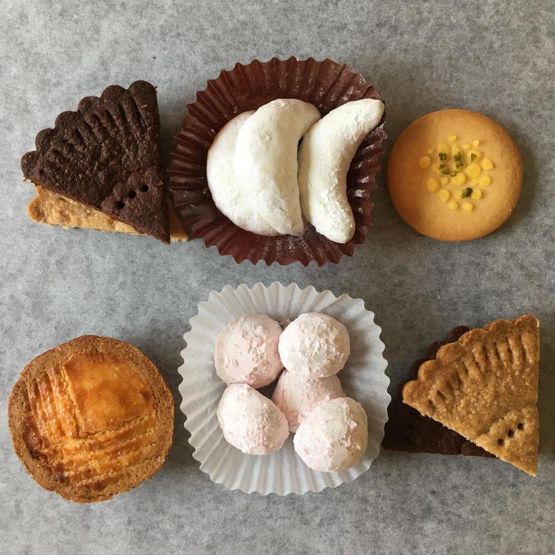 【常温便】焼き菓子とケーキとお茶の詰め合わせ(送料別)