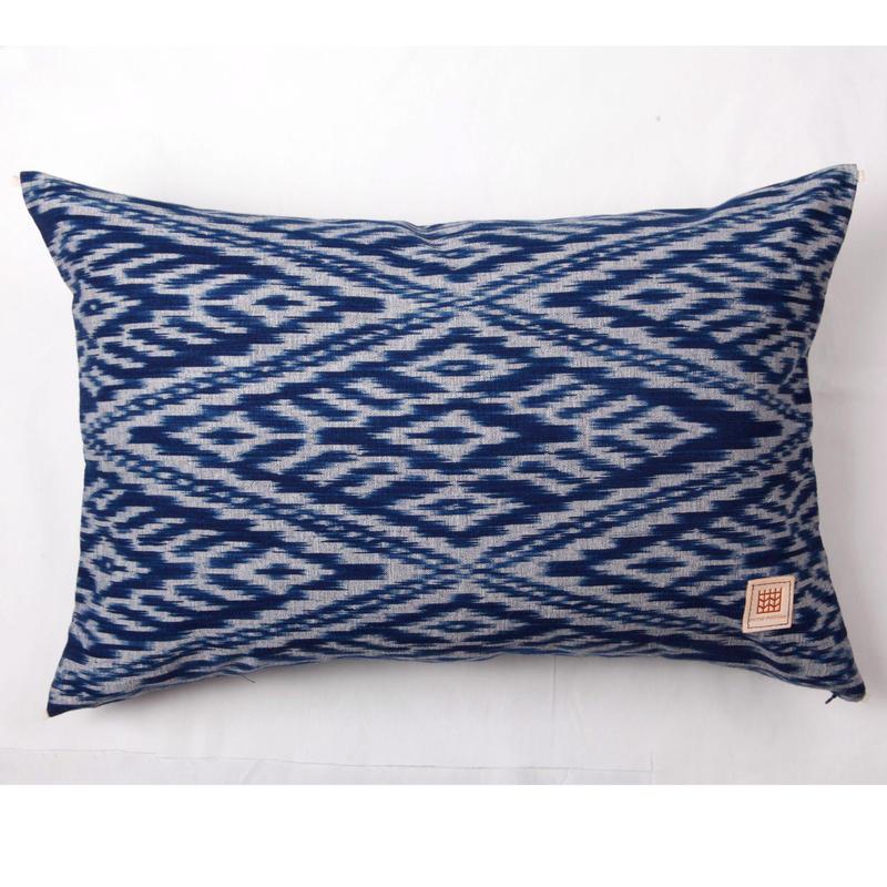 Natural Indigo dyeing handwoven cotton cushion cover  天然インディゴ染め、手織りコットンクッションカバー PCI-008