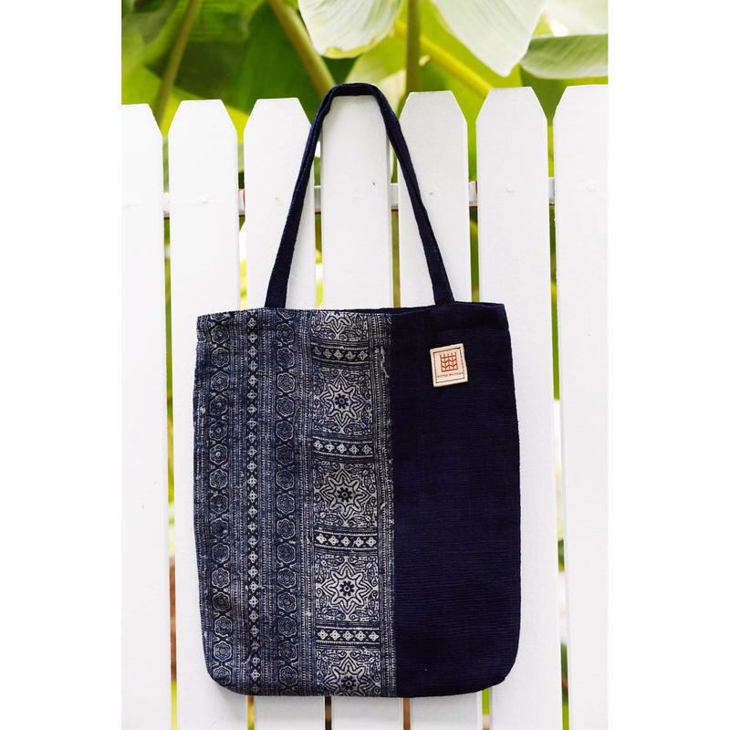HMONG batik cotton x Indigo dyeing handwoven cotton tote bag  モン族ヘンプインディゴ染めコットントートバッグ