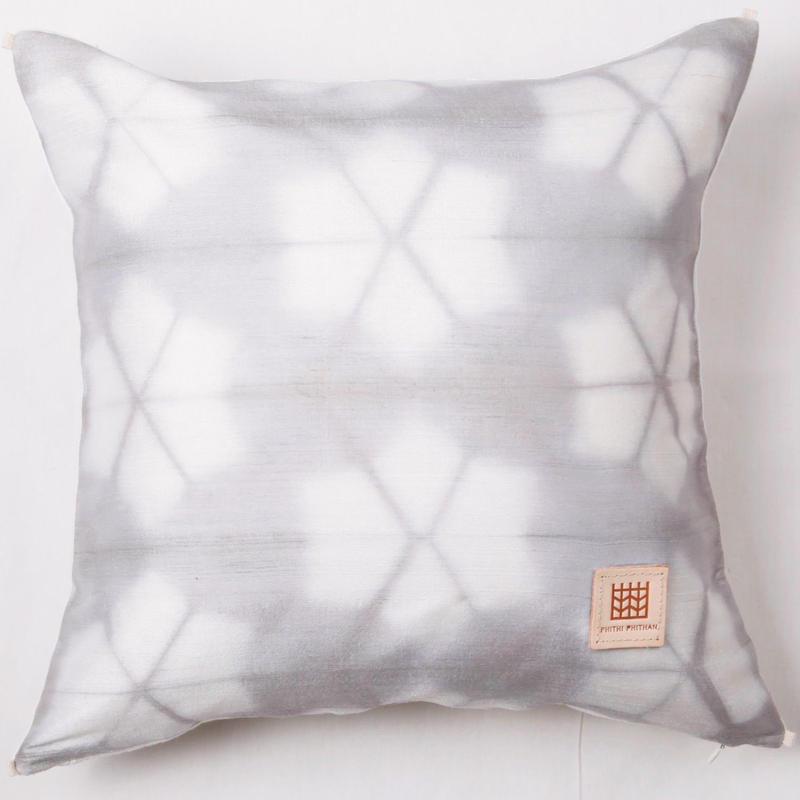 Plant dyeing silk cushion cover         手織りシルク草木染めクッションカバー    PSD-008