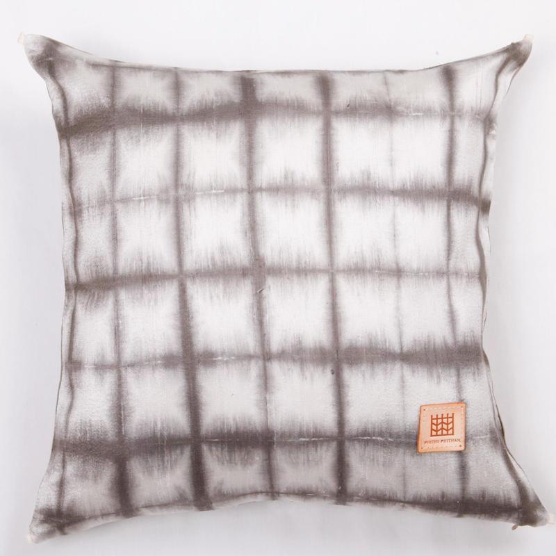 Plant dyeing silk cushion cover         手織りシルク草木染めクッションカバー   PSD-003