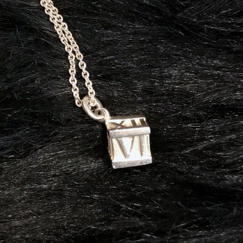 【 TIFFANY & Co. 】ATLAS CUBE NECKLACE