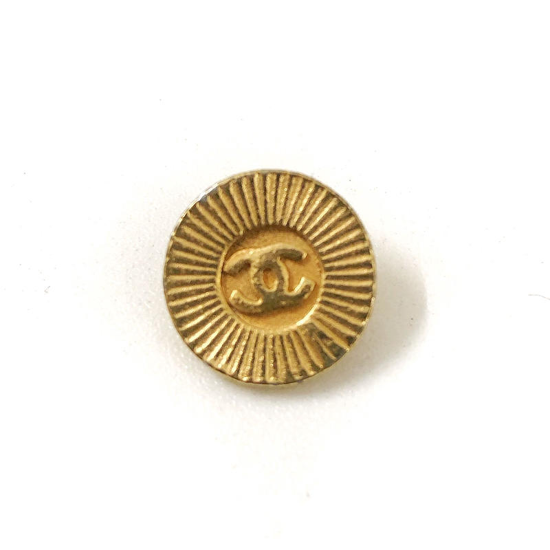 【Vintage CHANEL】Button SMALL radially gold