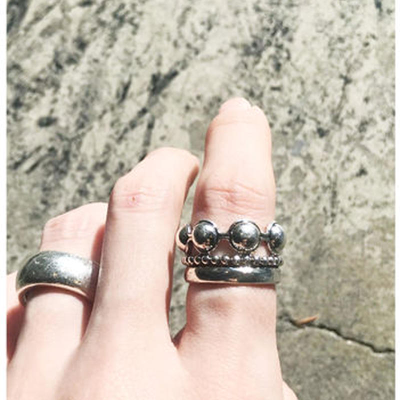 BALL 3-STANDED RING