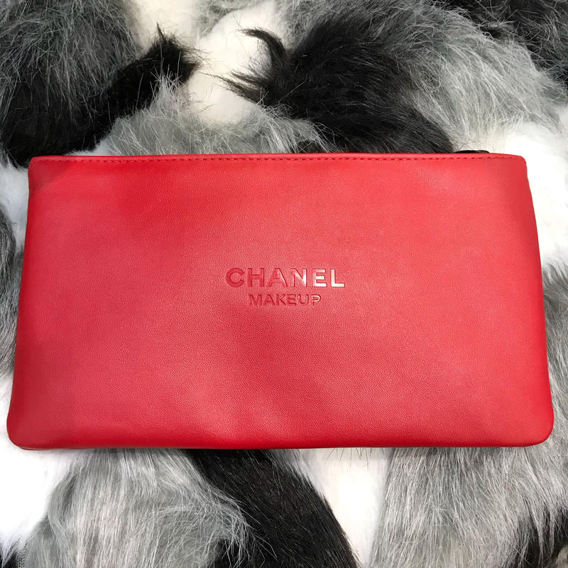 《CHANEL》NOVERTY POUCH -RED-