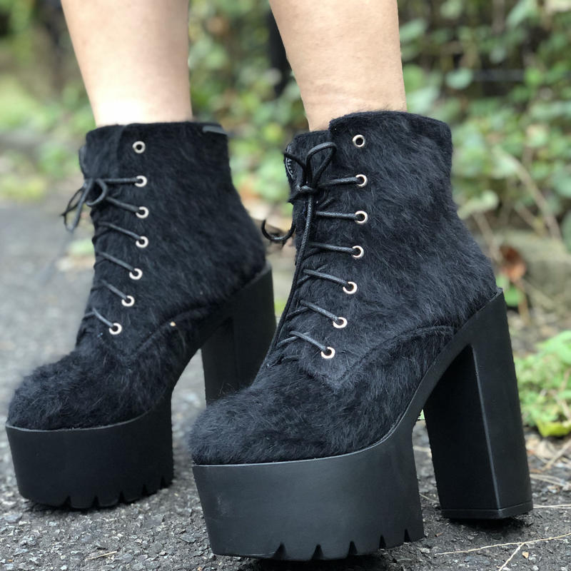 MOHEA SKIN LACE UP BOOTS