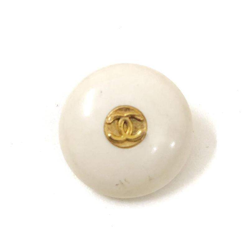 【Vintage CHANEL】Button PLASTIC ivory