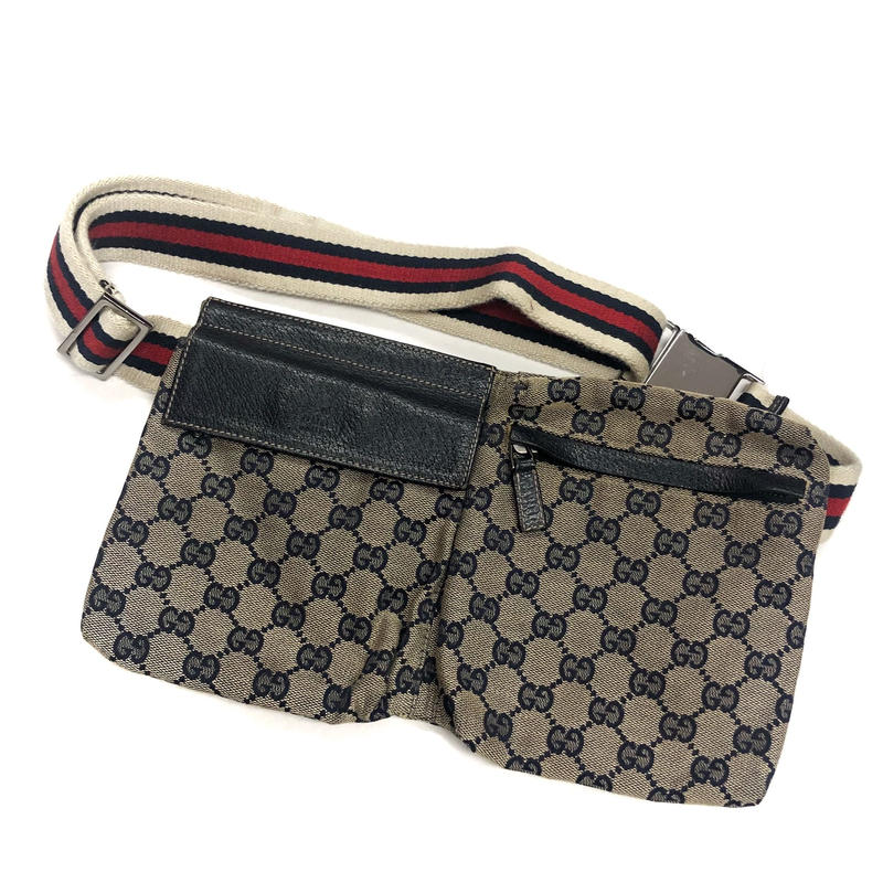 【Vintage GUCCI】GG SHELLY BODY BAG  navy