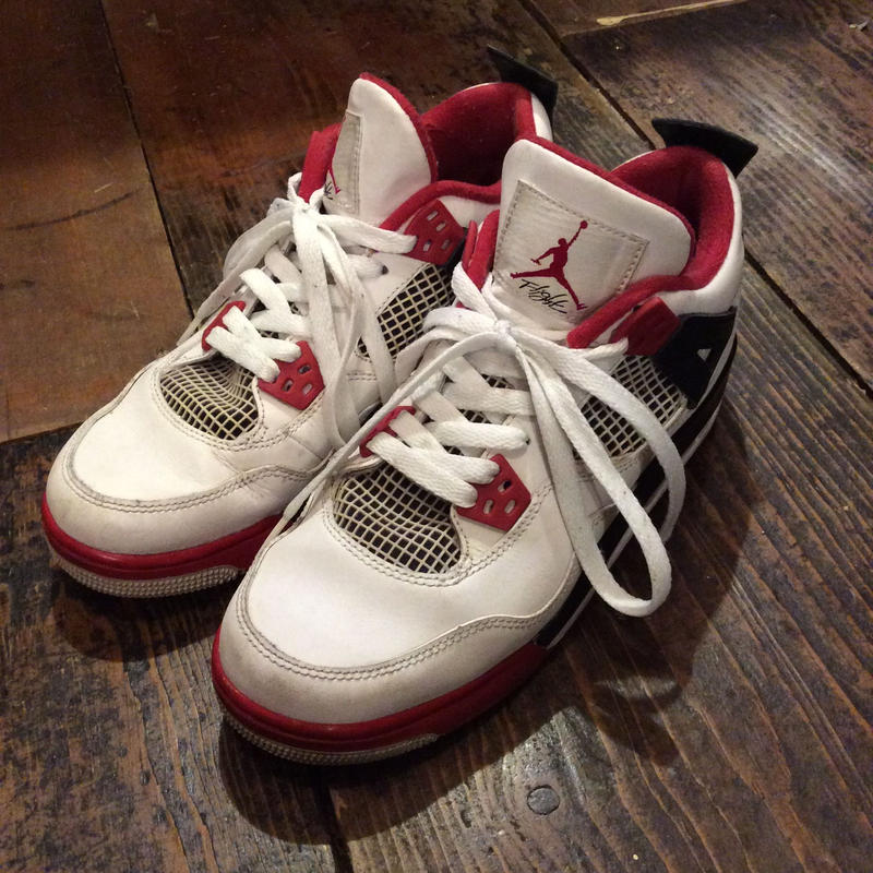 [USED] NIKE AIR JORDAN 4 retro