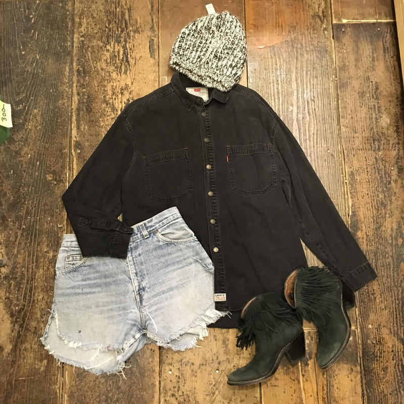 [USED] Levi's BLACK DENIM シャツ