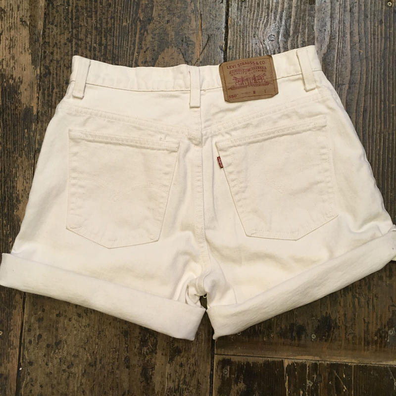 "[DEADSTOCK] Levis 550  ""WHITE"" SHORTS"