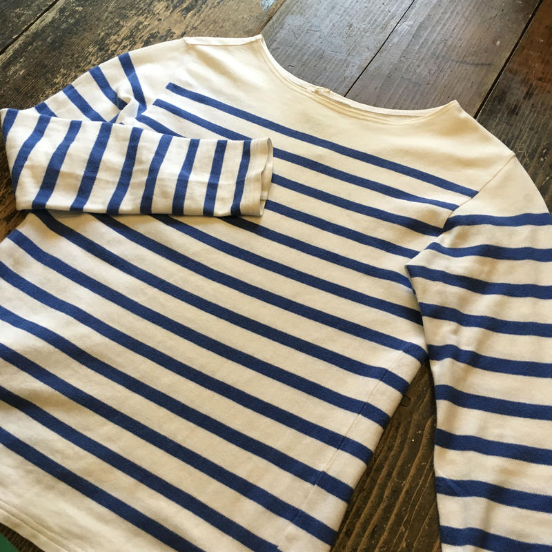 [USED] Simple BODER TOPS