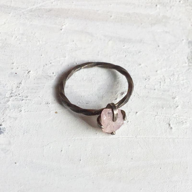 原石リング サファイヤ ピンク