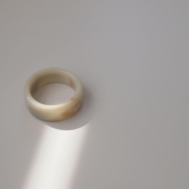 acryl  ring