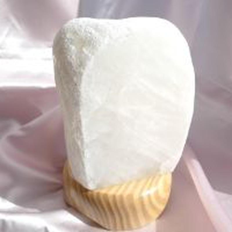 フロストランプ水晶(一面磨きタイプ)