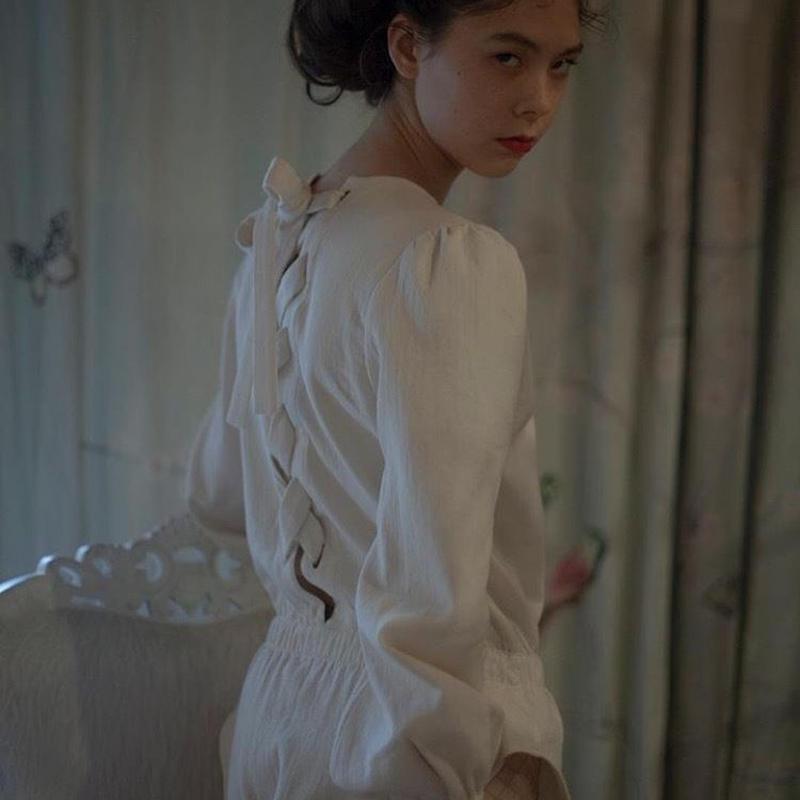 Siiilon white blouse