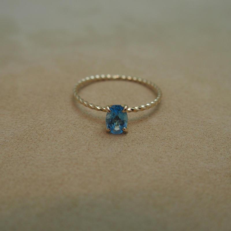 Swiss Blue Topaz Petit Ring(o/v)