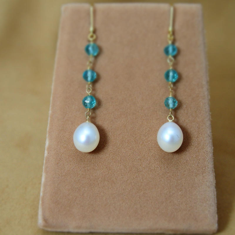 Apatite & F.W.Pearl Earrings
